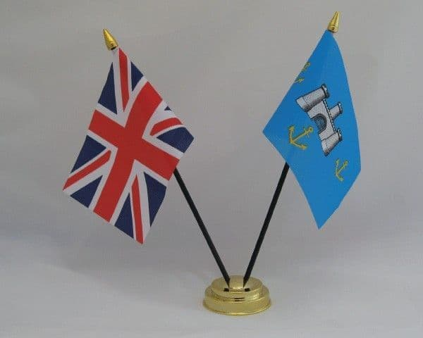 Isle of Wight with UK Friendship Table Flag