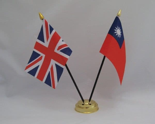 Taiwan with UK Friendship Table Flag