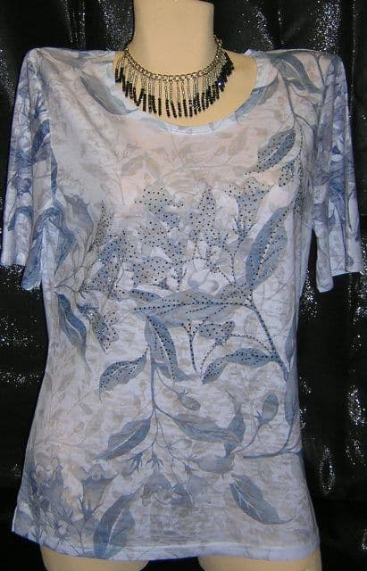 Paramour - T.Shirt - Convolvulus Style Flowers