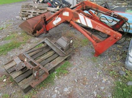 Chilton MX255 Loader with Bucket - SOLD