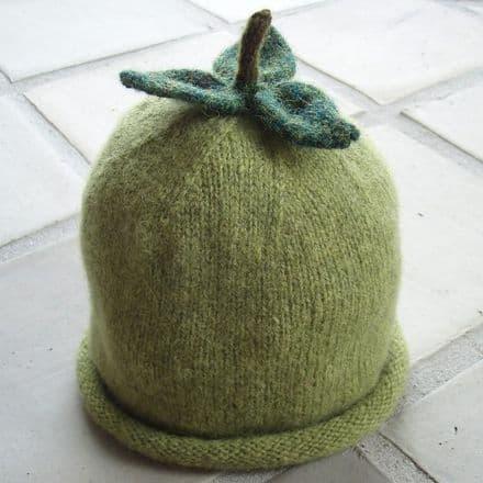 Apple Hat by Tina Vejlø Andersen - Kastaniestrik