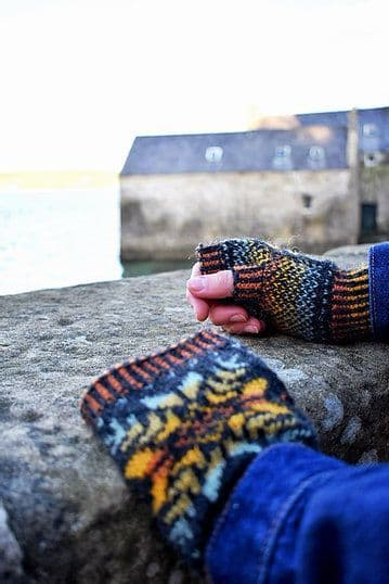 Up-Helly-Aa Wrist Warmers - Nicole Estelle Designs