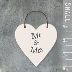 East of India Little Wooden Heart - Mr & Mrs - 2823 | mochaberry