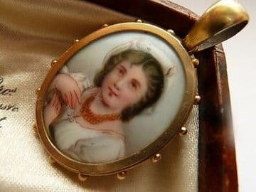 Antique Victorian 9ct Gold Portrait Pendant with Glass Locket to Rear C.1900
