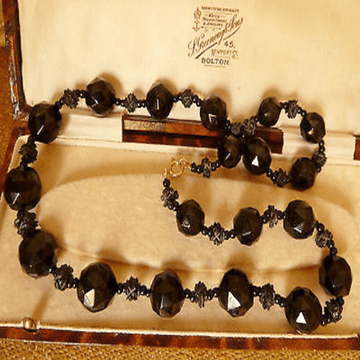 "ANTIQUE VICTORIAN REAL JET GRADUATED NECKLACE / BEADS PROFESS RE-STRUNG 20"" LONG"