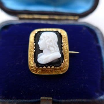 Miniature Georgian Hardstone Cameo of Raphael Signed Onyx 22ct Gold Signed