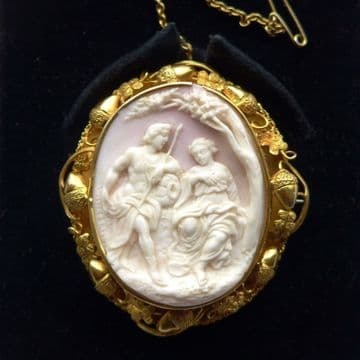Rare Scene Antique Shell Cameo High Relief Venus & Adonis Shakespeare  C.1860